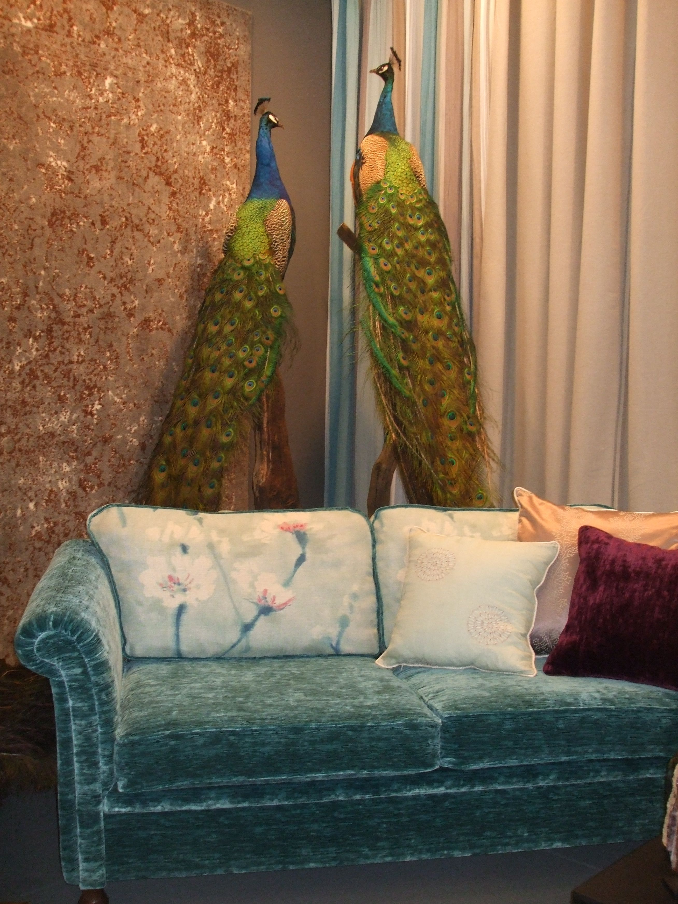 interior with turkoois seat and peacocks