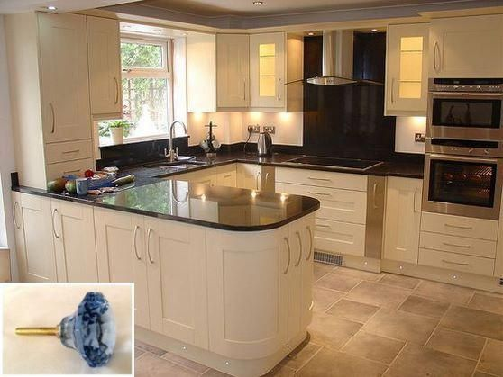 Dark Light Oak Maple Cherry Cabinetry And Solid Wood Kitchen Cabinets Ottawa Check T Custom Kitchen Cabinets Kitchen Cabinet Design Wood Kitchen Cabinets