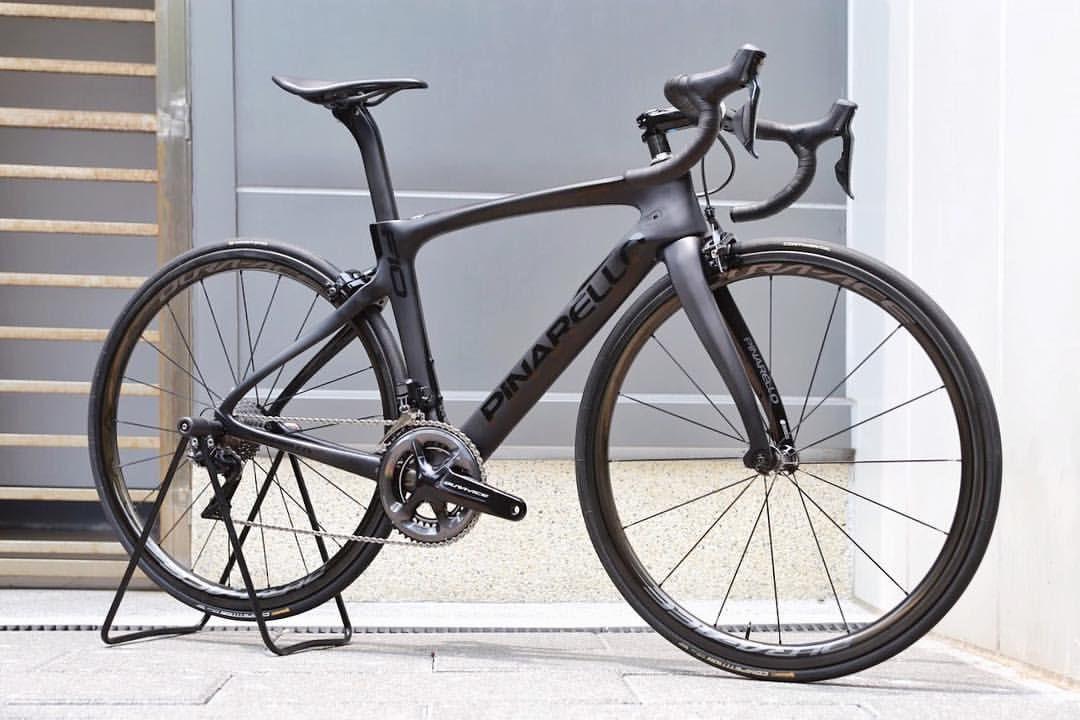 b05461e617c Black Style 🎩 #pinarello #dogma_f10 #200 #carbon #shimano #duraacedi2  #r9150 #c40 #berk #bicycle #cycling…