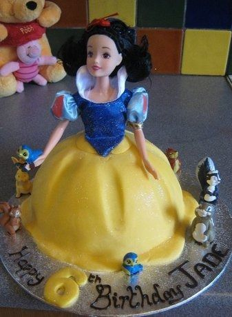 CakeSide - Snow White submitted by Nikki Tonks on www.cakeside.com!