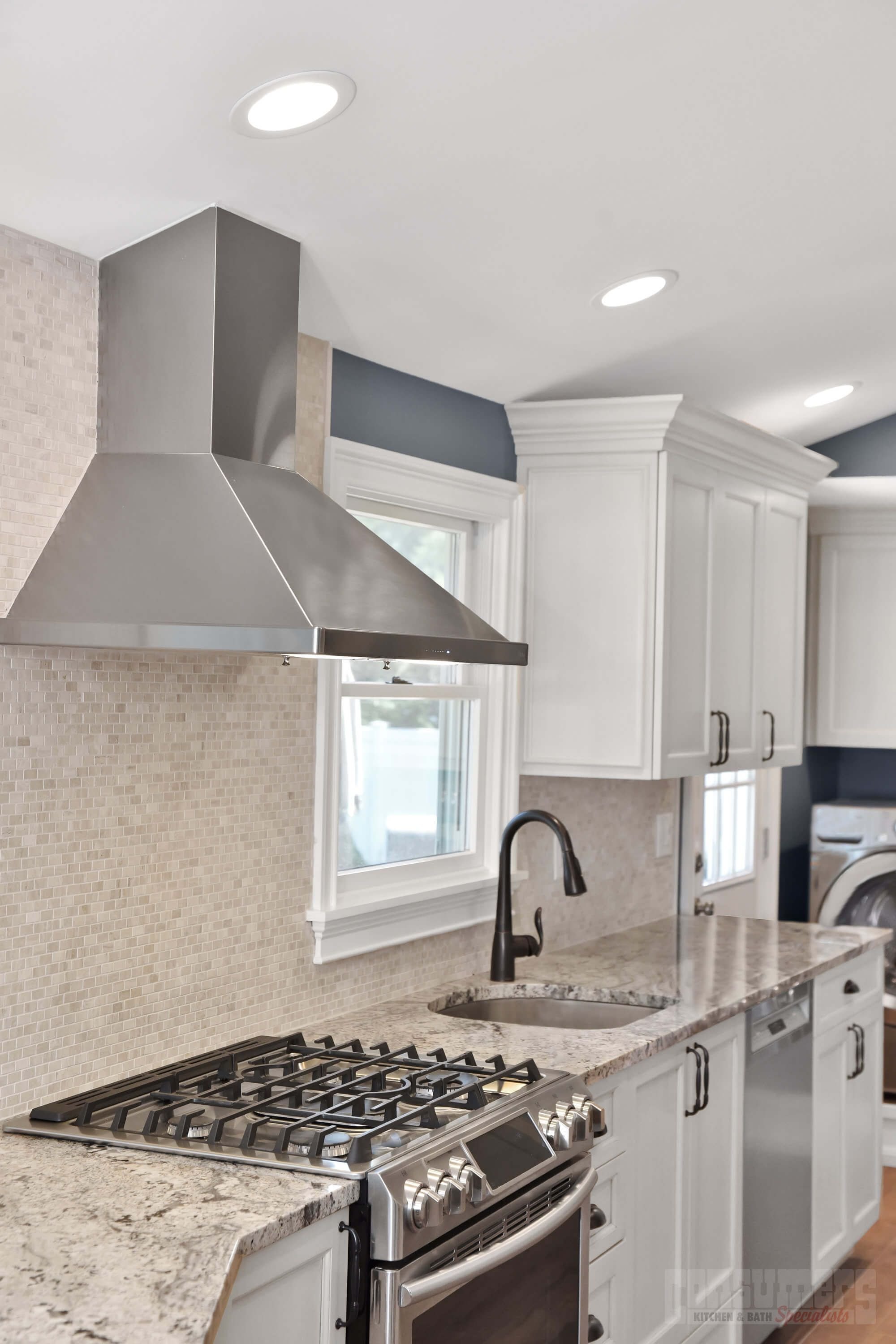 Pin By Consumers Kitchens Baths On Lake Grove Caboodle Maple