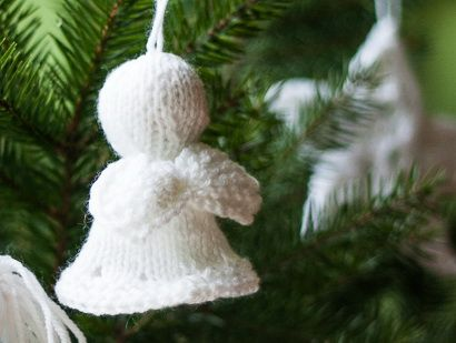 Aniolek Moje Ozdoby Swiateczne Drobiazgi Maknet Christmas Knitting Patterns Free Christmas Knitting Patterns Knitted Christmas Decorations