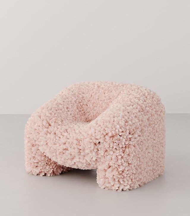 Something about this chair makes me giggle, in a good way...