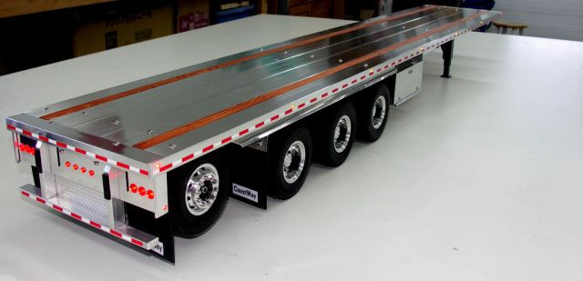 53′ Flatbed Quad Lift Axle | Custom Aluminum Flatbed