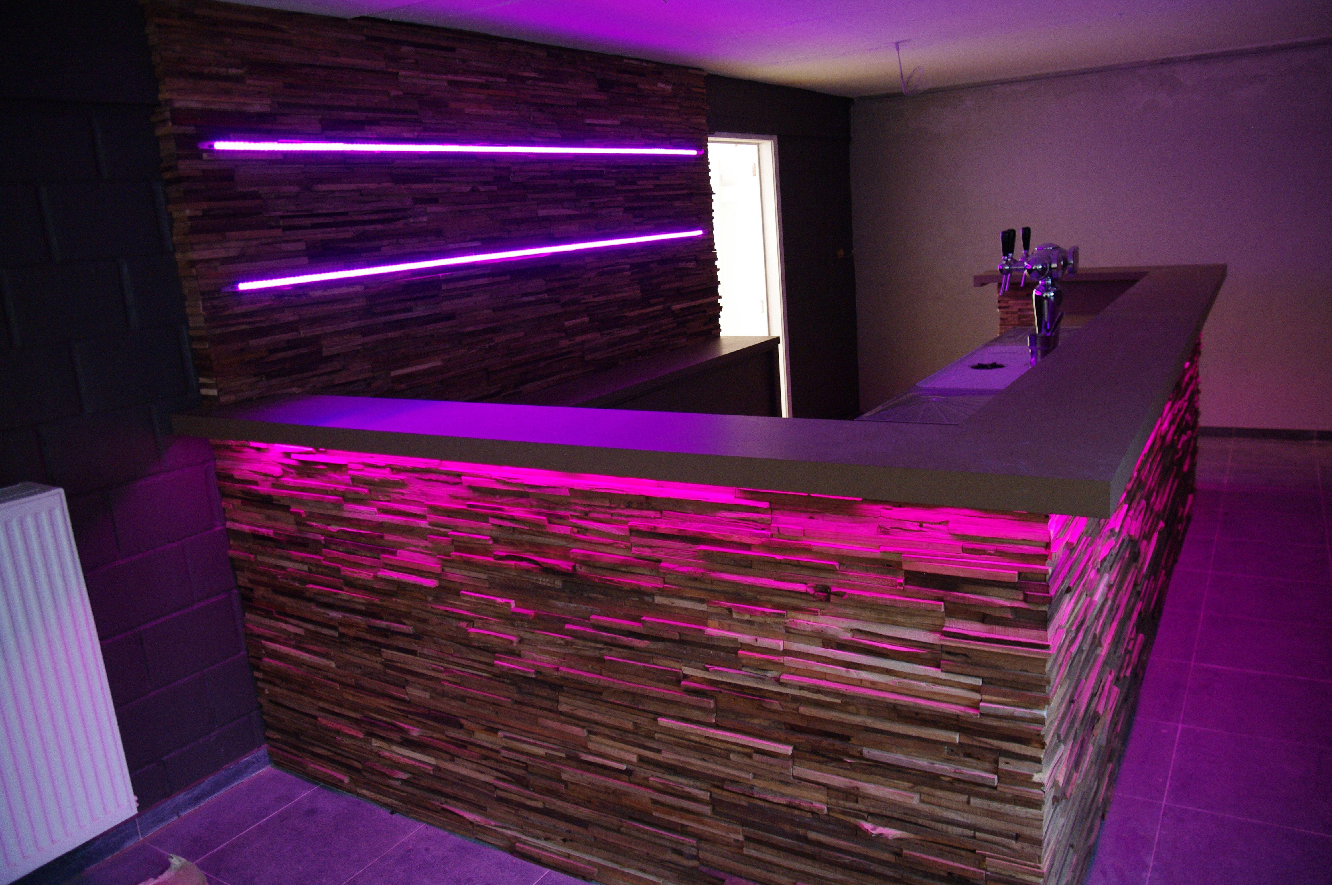 Trend Deze design bar in hout met led verlichting is n van onze realisaties Wens je