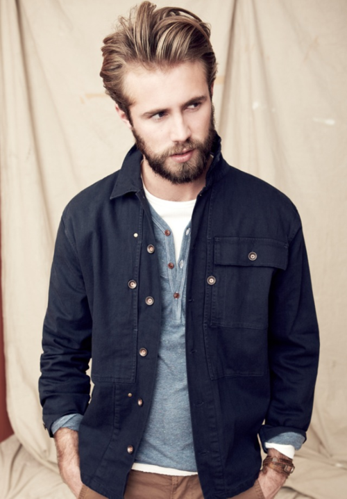 Tom has one of the most gorgeous looking beards.