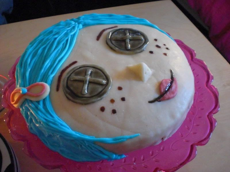 Super Coraline Cake Photo Coraline Cake With Images Photo Cake Funny Birthday Cards Online Inifodamsfinfo