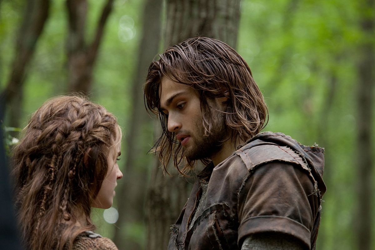 Pin By Gretchen On Meadhalls And Meres Douglas Booth Emma Watson Image