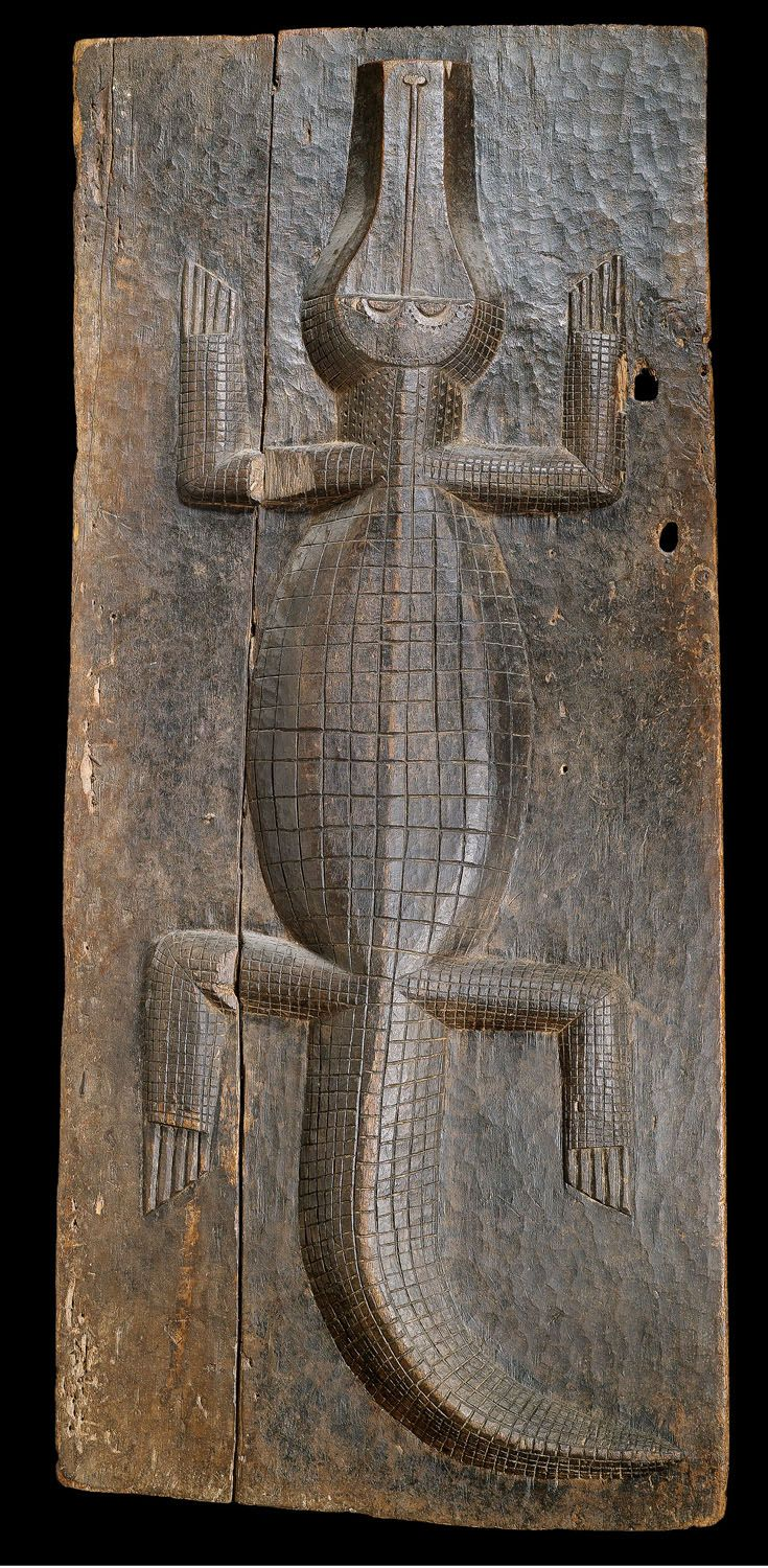 Wooden door from the Bowle tribe in Ak …