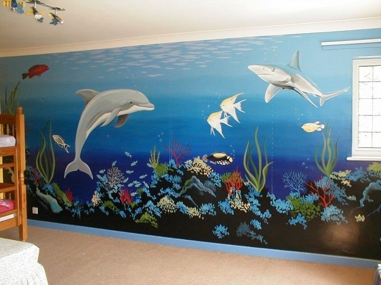 This underwater mural features lots of detail and bright colours and ...