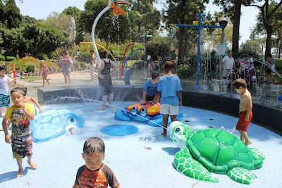 Like our other favorite toddler park (see my post about Harry Dotson Park), this splash pad is located in one section of the park so it's easy to keep an eye on the kids.
