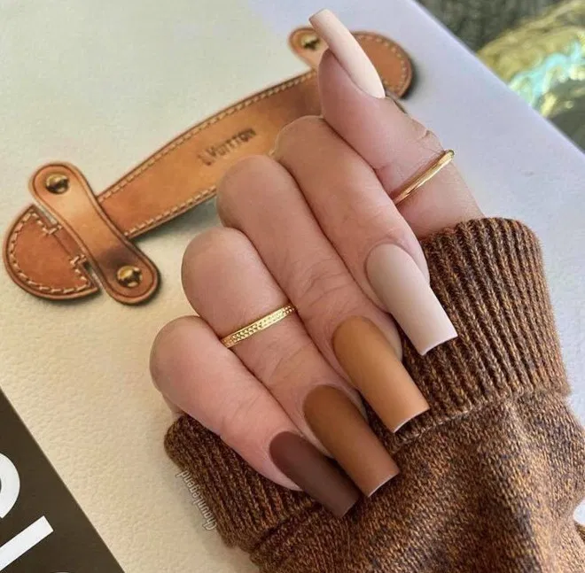 Fall Nail Designs That Match The Fall Aesthetic