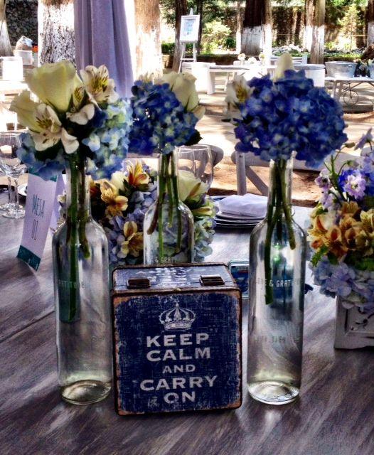 Centros de mesa para boda compuestos por accesorios y - Centros de mesa con botellas ...