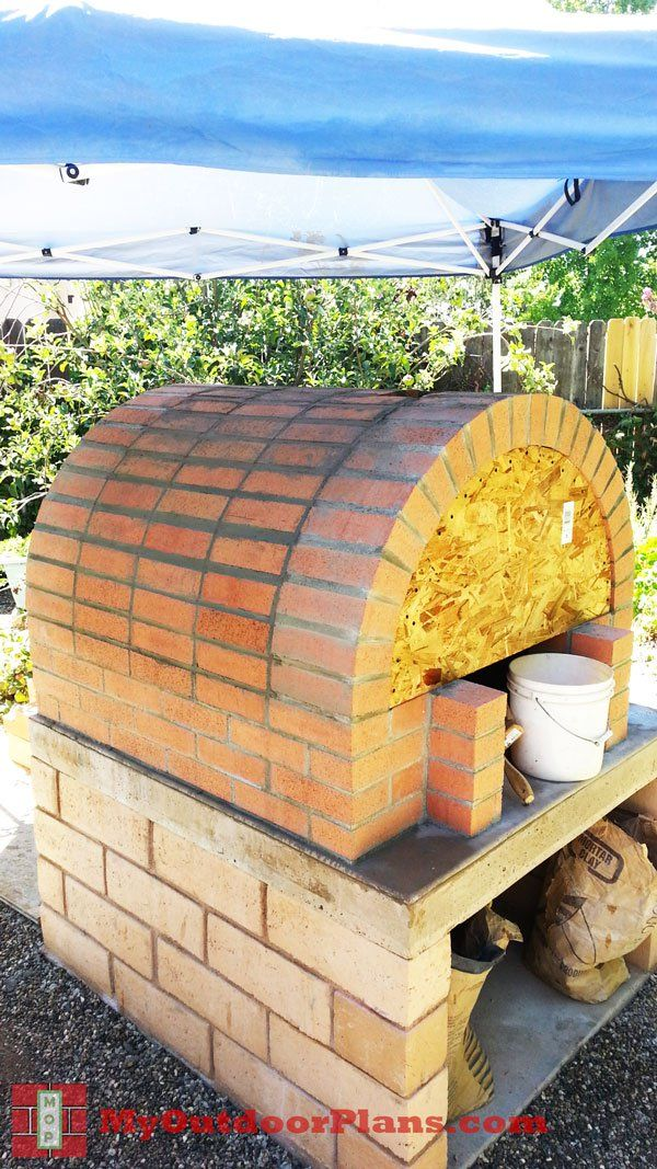 Building-the-brick-pizza-oven-dome Pizza oven project Pinterest