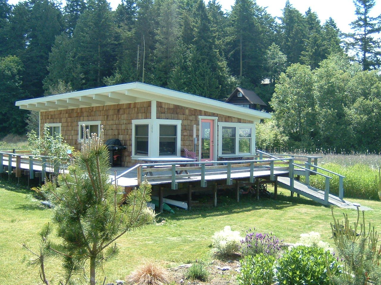 Beach Cabin Google Search Beach Cabin Beach Cottage Decor Cabins And Cottages