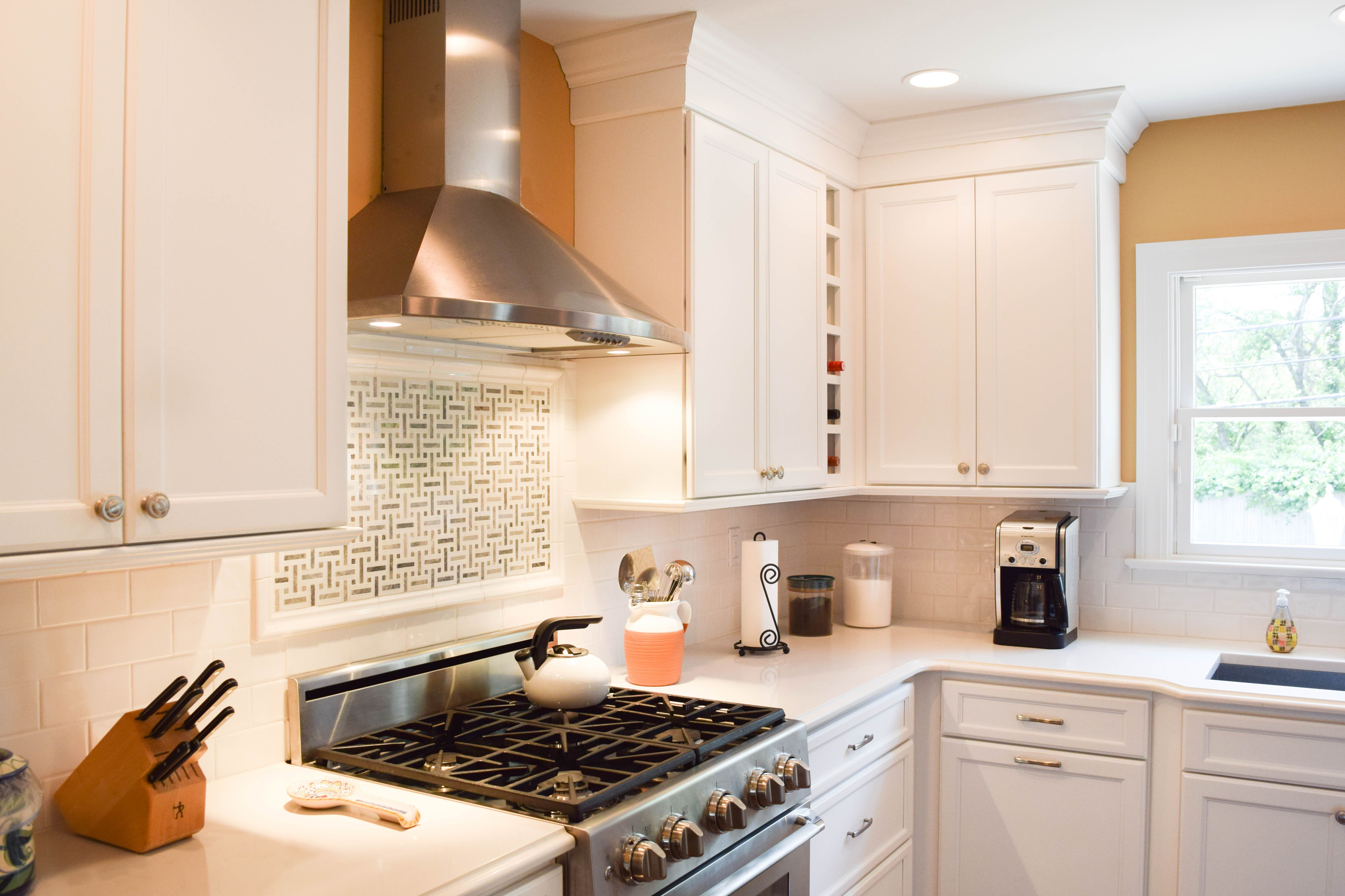 A Kitchen Remodel In Jericho New York Pops With Color And Class Lori Kurn A Designer With Coastal Cabinet Works Kitchen Remodel Cabinetry Custom Cabinets