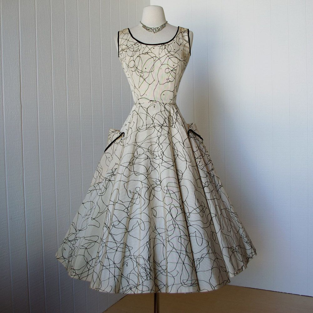 Vintage pin up wedding dress  vintage us dress gorgeous dior inspired SUZY PERETTE golden
