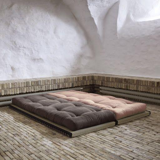 Chico ftonbäddsoffa från Karup. Chico futon sofa bed from