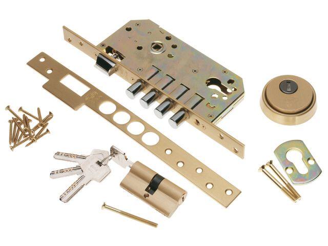 Instalamos tu #cerradura 620140601 Http://www.cerrajerobarcelonavalencia.es #cerrajerosbarcelona #cerrajerosvalencia #cerrajeros24h