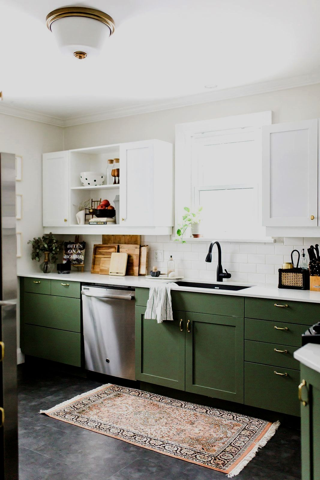 15 Lovely Kitchen Style Suggestions In 2020 Green Kitchen Cabinets Home Kitchens Kitchen Interior