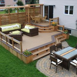 Okay For Back Deck But Not For Front Sloped Site Deck With Railing And Stairs Picture Gallery How To Deck Designs Backyard Decks Backyard Backyard Deck