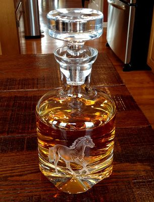 New Design! Stallion Medium Footed Bourbon Decanter with two Modern Whiskey Glasses