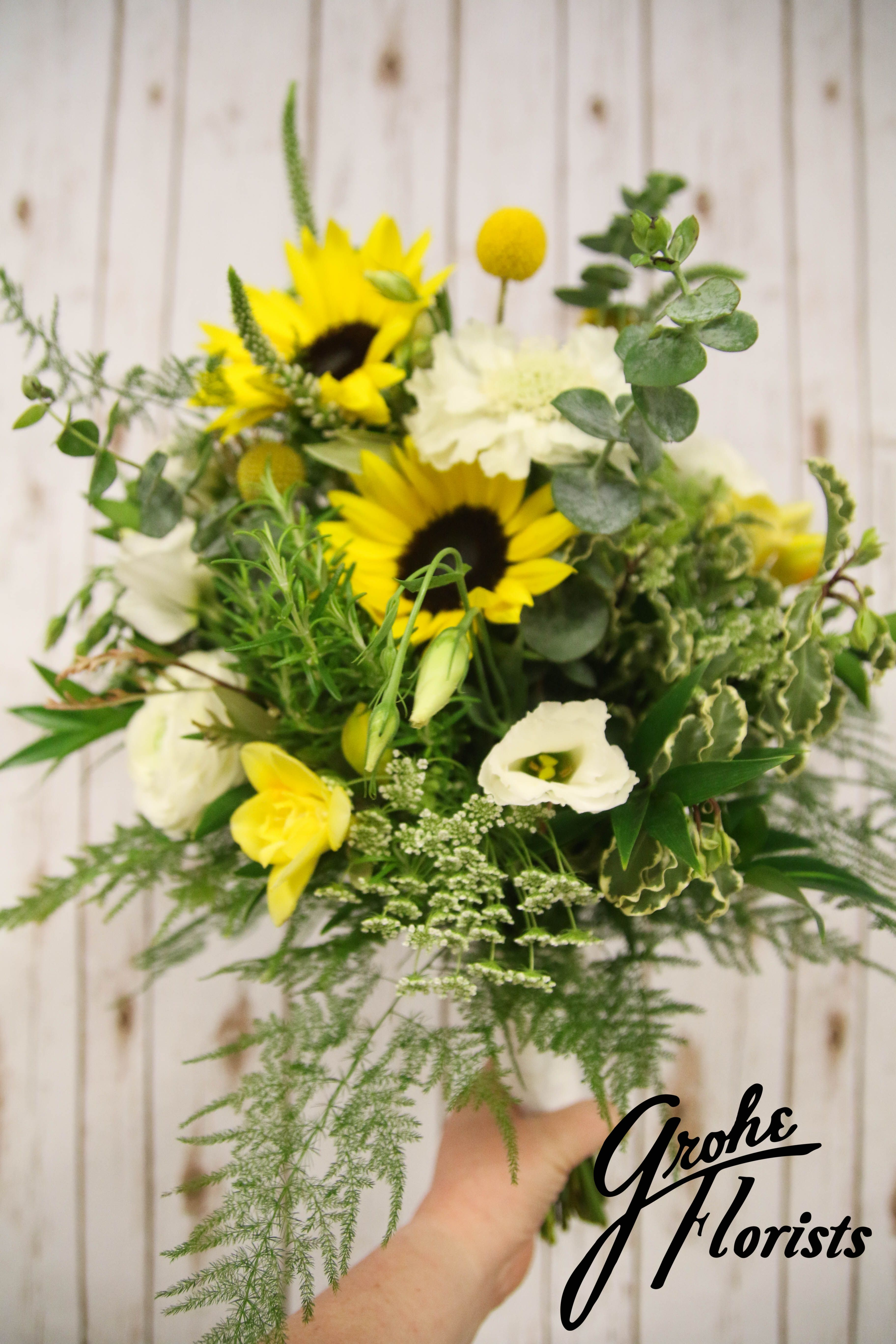 Sunflower wedding yellow and white wedding bridalbouquet santa rosa ca wedding flowers bouquet same day delivery to petaluma rohnert park and windsor california grohe florists and greenhouse izmirmasajfo