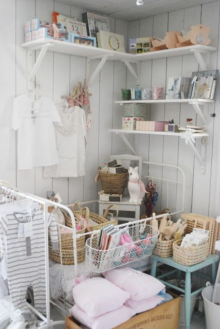 Julias Vita Drömmar, lovely shop display