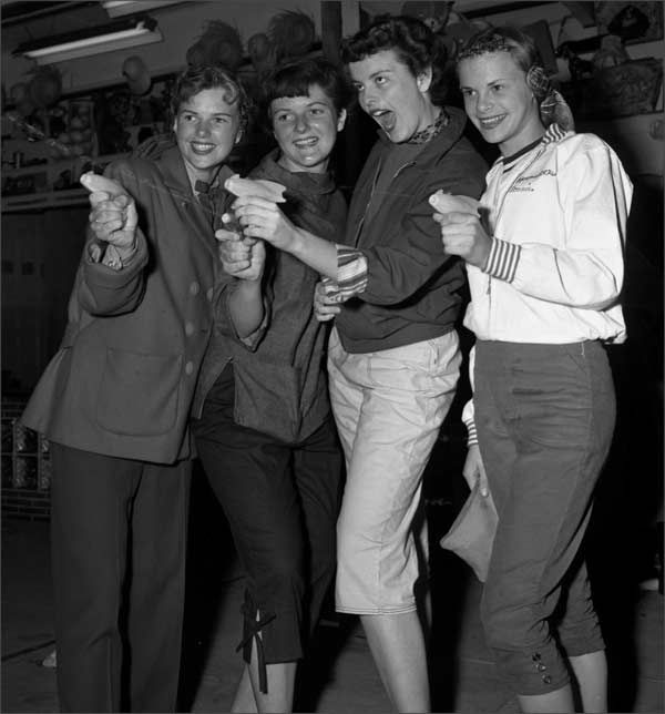 1950s Fashion for Teens: Styles, Trends & Pictures   1950s ...