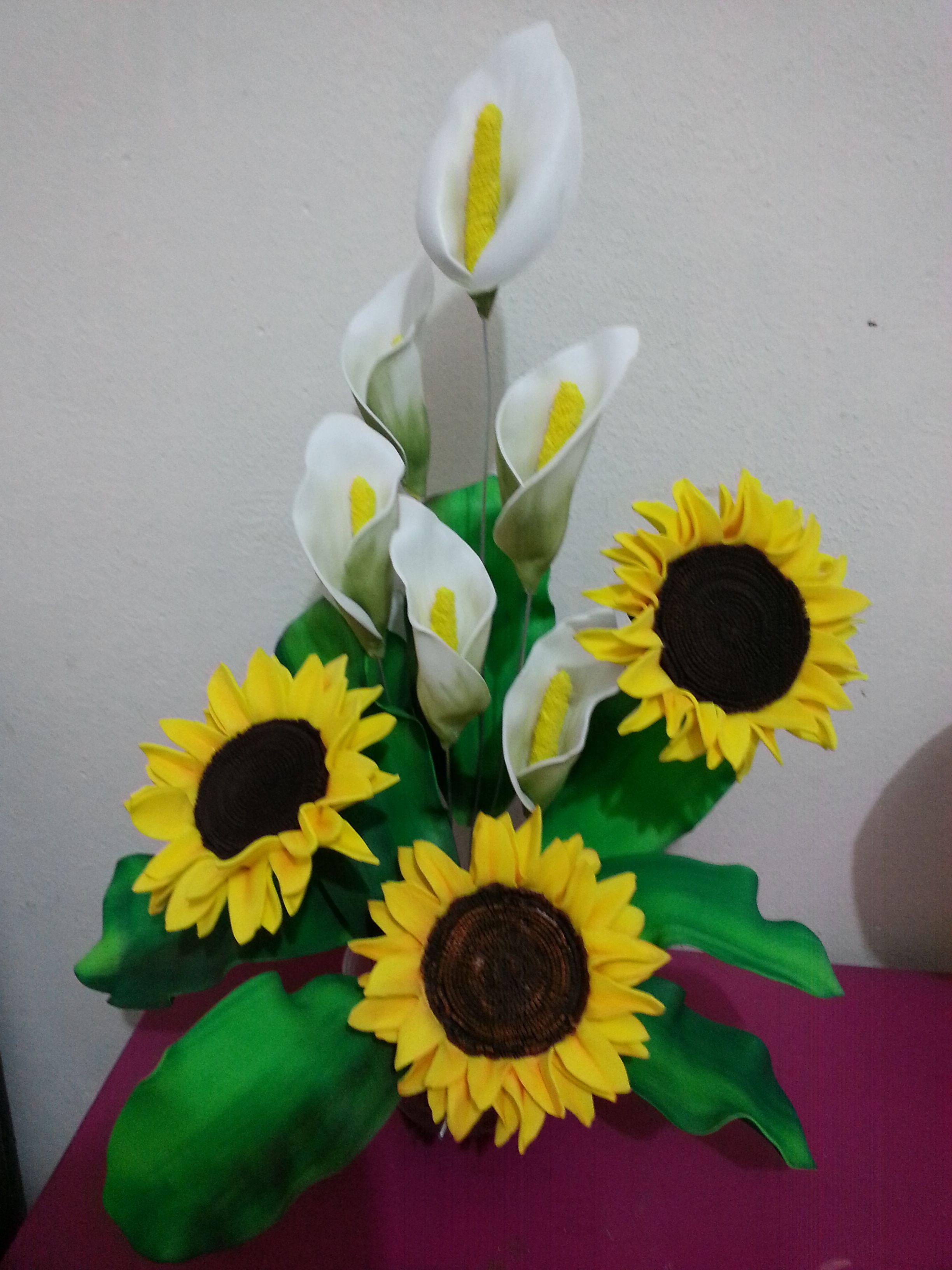 girasoles de goma eva   Flores de fomy, Tutorial de flores de papel, Flores  de foamy