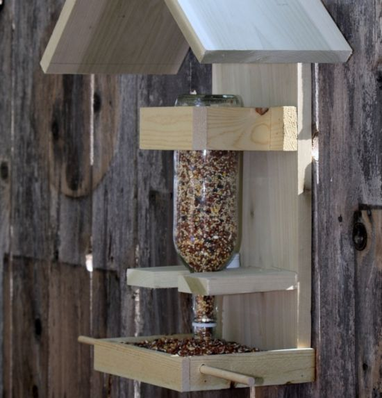 12 diy bird feeders bird houses feeders pinterest v gel vogelfutter und futterhaus. Black Bedroom Furniture Sets. Home Design Ideas