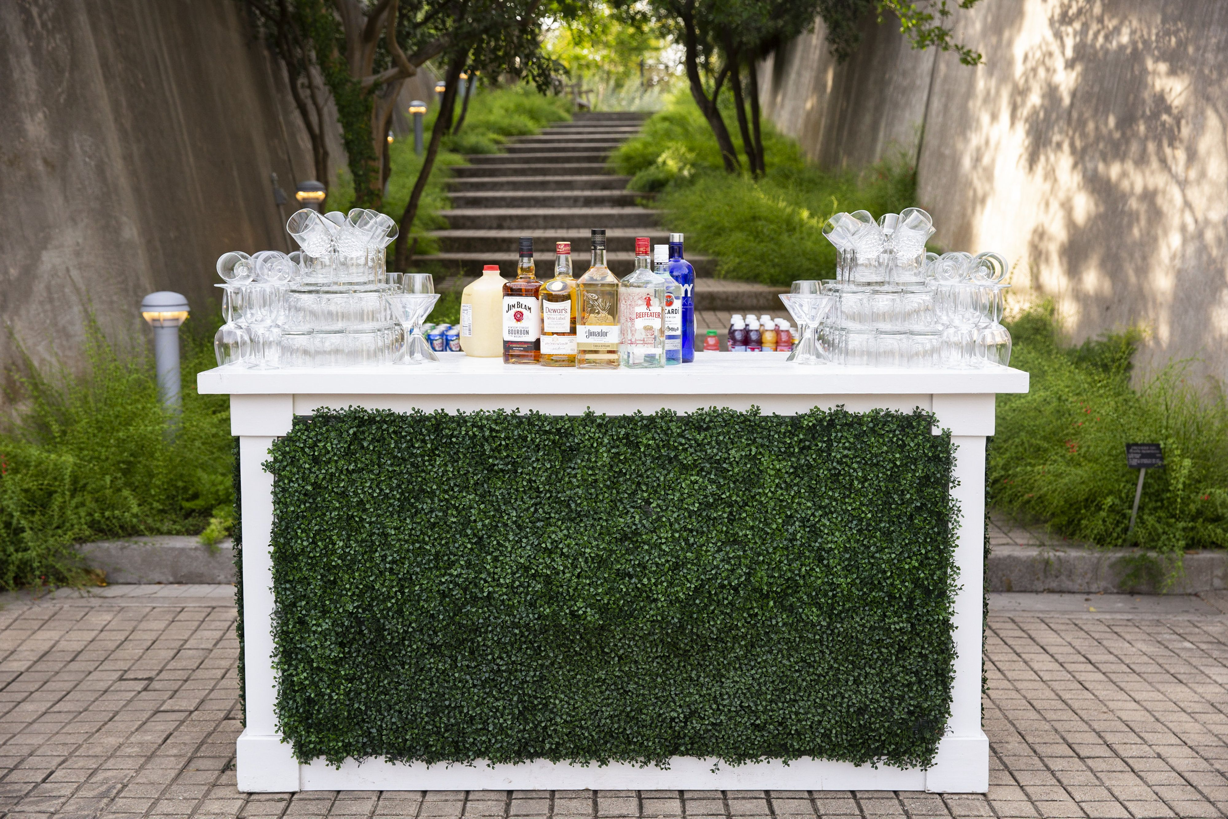 Splendor In The Garden Gala Bar Set Up Bar Set Table Decorations