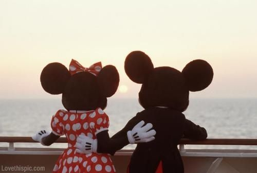 Mickey And Minnie Mouse Pictures, Photos, and Images for ...