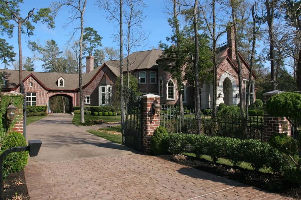 Splendid George Weaver Custom Estate Home Sits On Heavily Treed Fully Fenced Gated 1 46 Acres Backs To Forest W Greenbe Estate Homes Entry Doors Stairways
