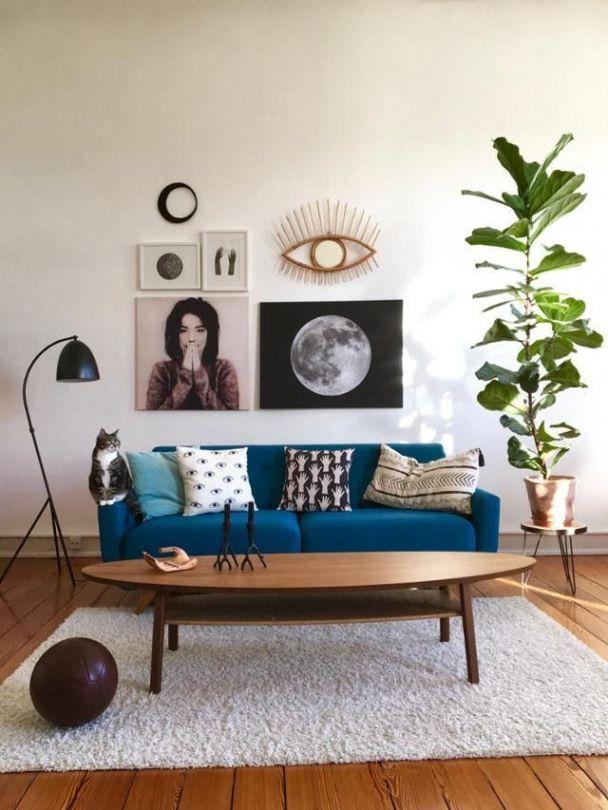 Einblicke In Das Vintage Wohnzimmer Von Mimameise Blaues Sofa Couchtisch Und Ein Flauschiger Teppich Sorgen F Vintage Wohnzimmer Blaues Sofa Wohnzimmer Design