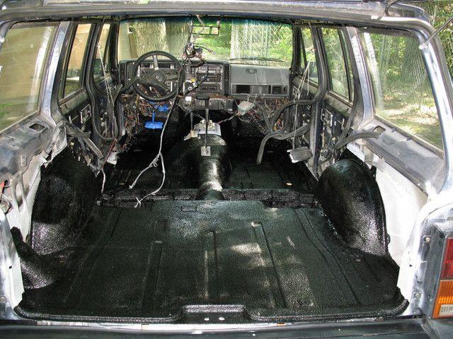 Stripped Down And Herculined Xj Jeep Xj Jeep Parts Jeep 4x4