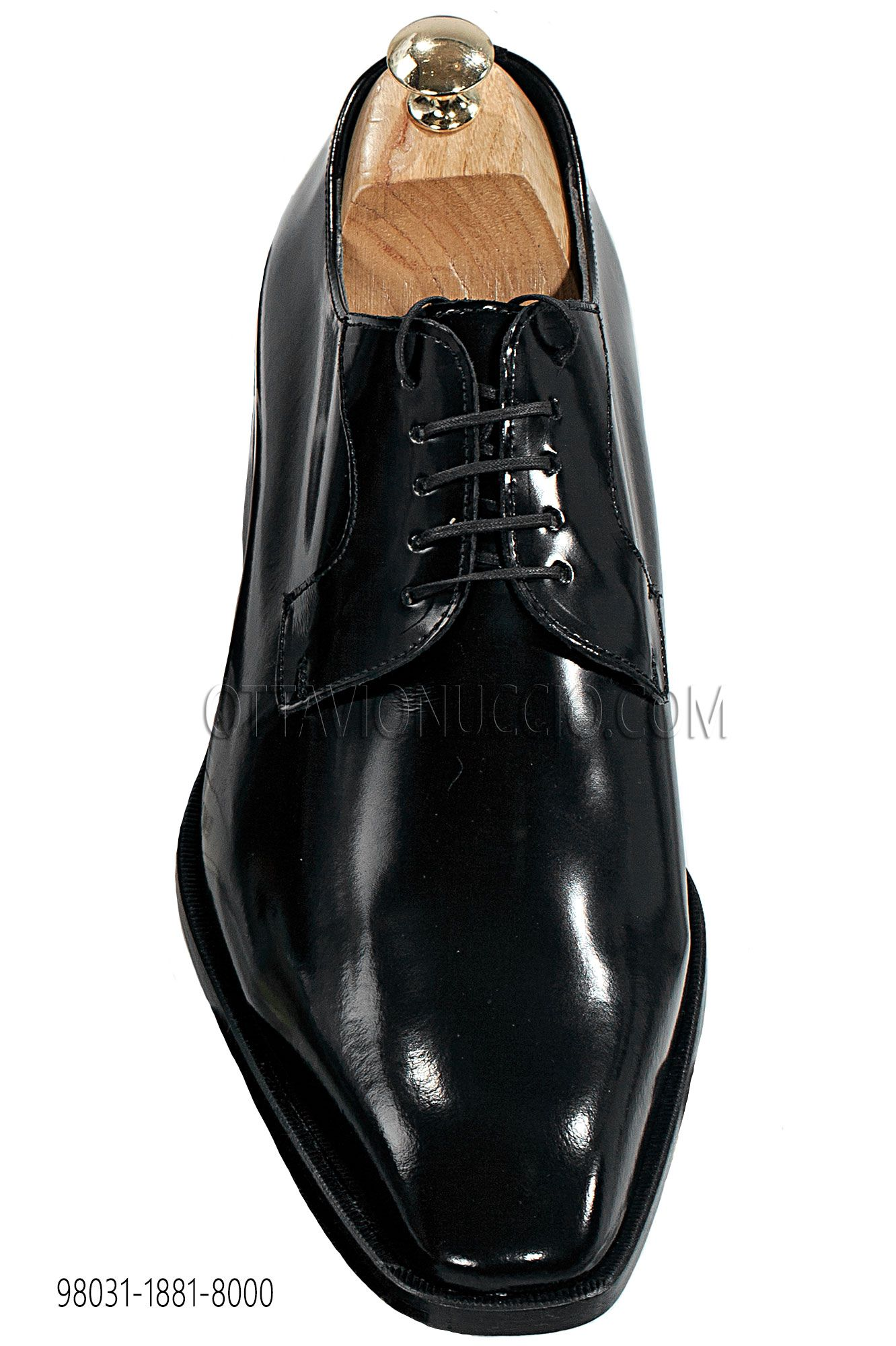 Brushed Leather Lace-Up Shoes #menswear #menstyle #groom #wedding