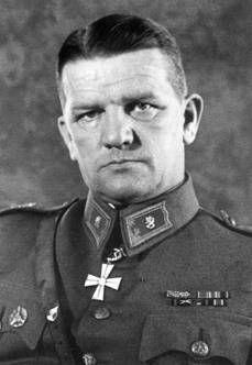Kenraalimajuri Mannerheim-ristin ritari Aaro Pajari SA-kuva