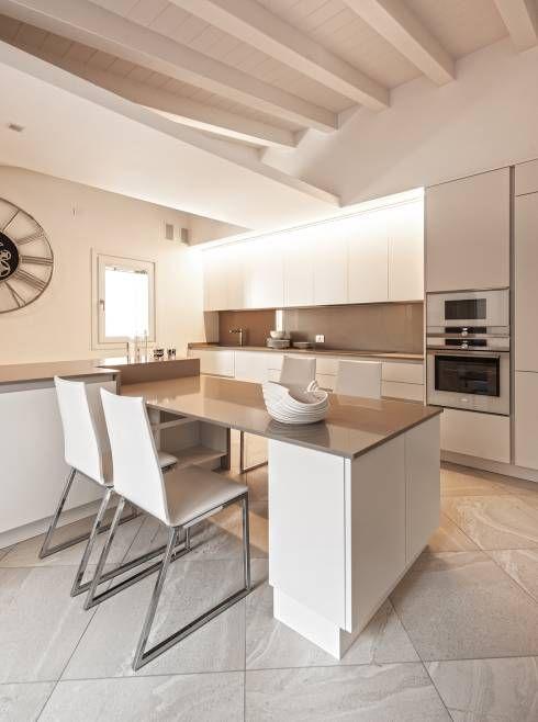 Remodelação total de um apartamento cheio de estilo | Cozinhas ...