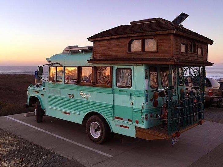 Alternative Fahrzeuge zum Leben in: Skoolie -