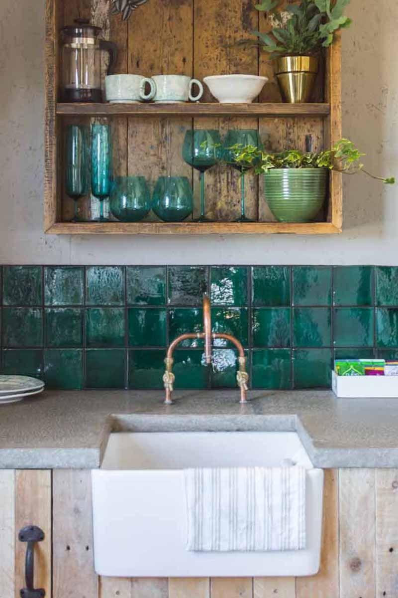 Le Vert D Eau Va A Merveille Aux Zelliges Carrelage Marocain Renovation Cuisine Cuisines Deco