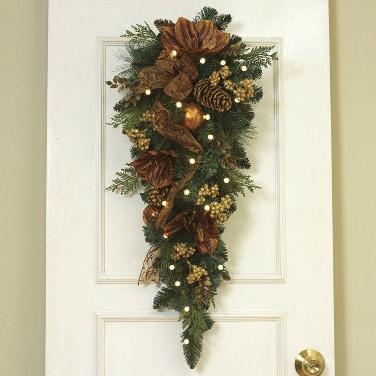 Adorno de navidad para puerta con pi as navidad - Adorno navideno con pinas ...