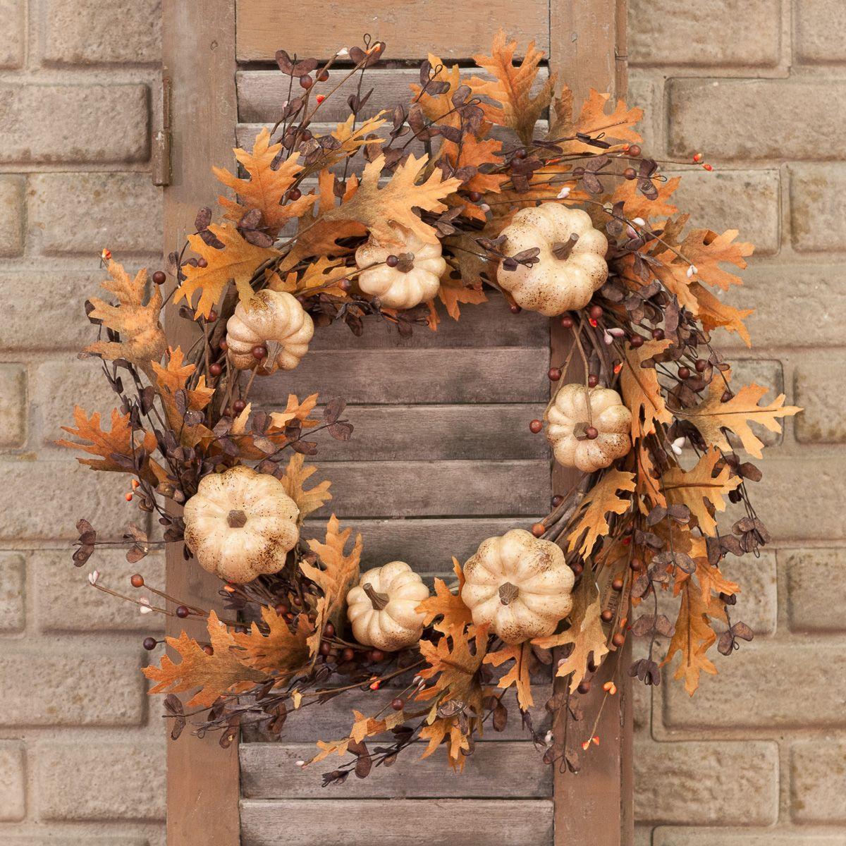 Farmhouse Falldecor Ideas: Pumpkin Oak Wreath - Piper Classics