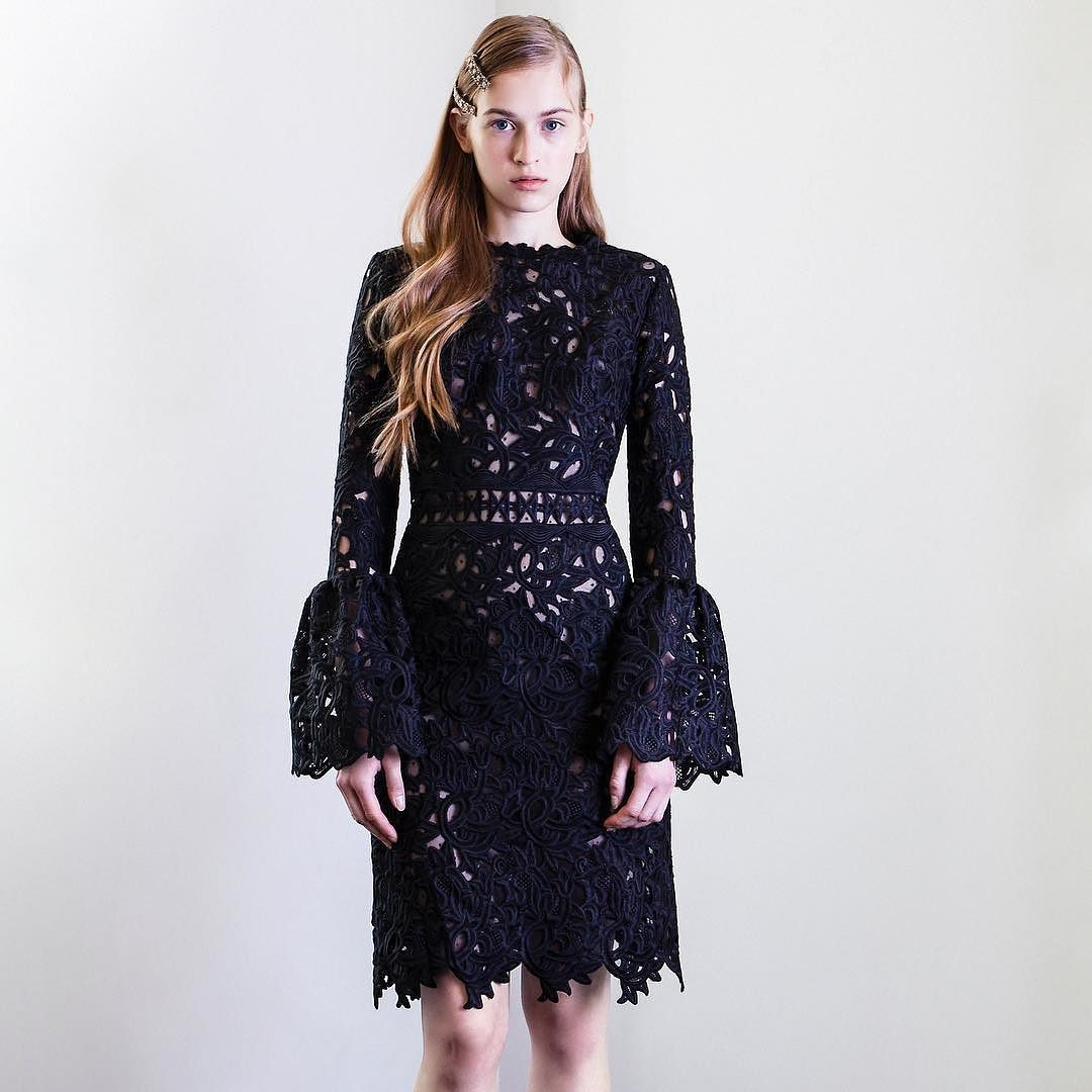 Pre-fall 2017. #costarellos #prefall17 #black #blacklace #rtw #collection #runway #catwalk #vestido #minidress #chic #blackdress #dress #pretaporter