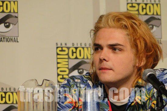 Gerard Way at Comic Con 2010 – trashwire.com