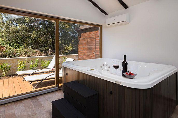 jacuzzi exterior spa hidromasaje de au 002 au Minipiscina Spa 4, 5 persone per case vacanze | Lodge M Jacuzzi