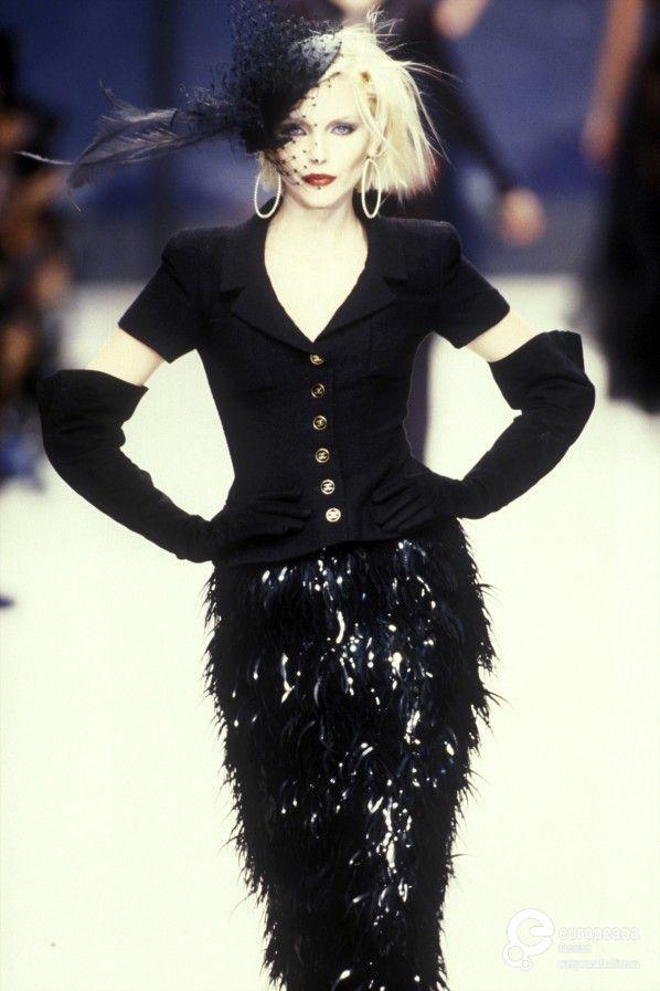 Nadja Auermann - CHANEL Spring-Summer 1995, Couture