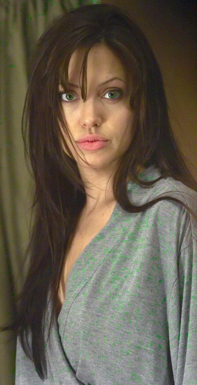 Angelina Dee