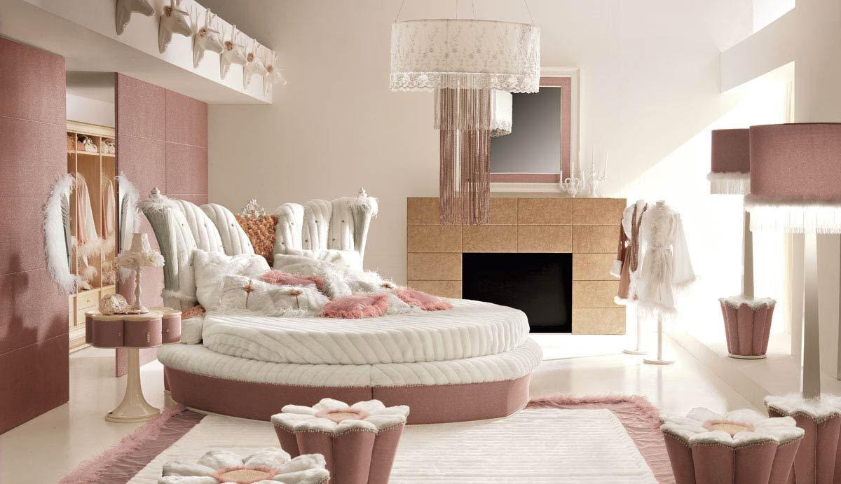 12 Perfect And Calming Bedroom Ideas For Women Interior Design Inspirations Woman Bedroom Big Bedrooms Calming Bedroom