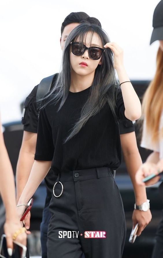 Moonbyul Mamamoo Moonstar Black Sunglasses Korean Fashion Outfit Swag Kpop Girlgroup Badass Kasual Wanita Pakaian Kasual